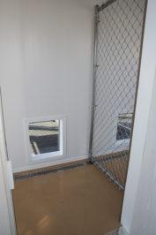10x16 dog kennel interior